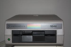 c64_1541_disk_drive.jpg